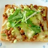 納豆と水菜のチーズトースト