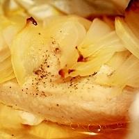胸肉と玉ねぎの包み焼き