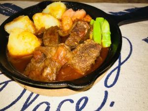 牛肩ロース肉の赤ワイン煮込み 電気圧力鍋で簡単時短