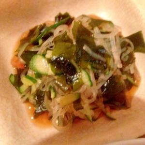 蒟蒻麺のワカメときゅうりの酢の物