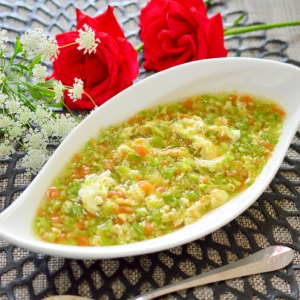 食べるスープ!アスパラガスと人参の☆卵スープ
