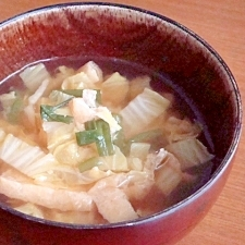我が家の味噌汁★油揚げと白菜とニラ