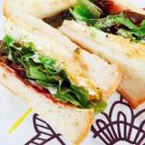ふわふわサニーレタスと卵焼きのサンドイッチ