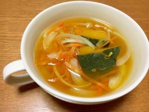 かぼちゃと玉ねぎと人参の和風スープ
