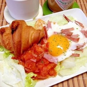 じゅ~しぃ!ホットトマト目玉焼きモーニングプレート