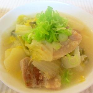 塩豚、白菜、キヌアの酒粕スープ