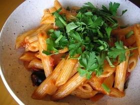 簡単★炊飯器でトマトソースのパスタ