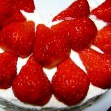 しっとりふんわり☆スポンジが美味しい苺のケーキ