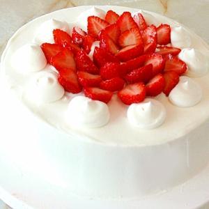 シフォン風スポンジで!苺のシンプルデコケーキ♪