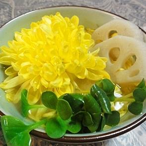 菊レンコンカイワレの三色味噌汁