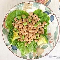 蒸し大豆に、枝豆、ブロッコリー