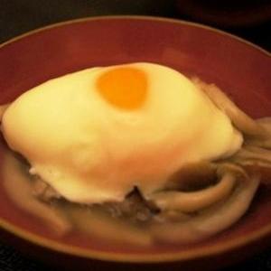 レンジで作る温泉卵を使って、シメジ酒蒸し生姜餡