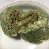抹茶風味の豆腐おから蒸しパンできな粉練乳巻き