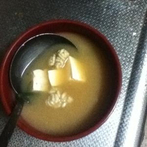 タラの白子と豆腐の味噌汁