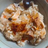 焼き鶏缶で炊き込みご飯