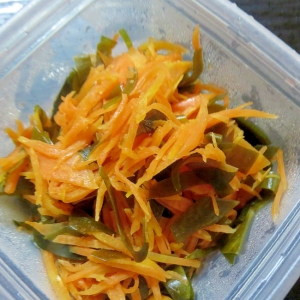 野菜昆布と人参の簡単炒め