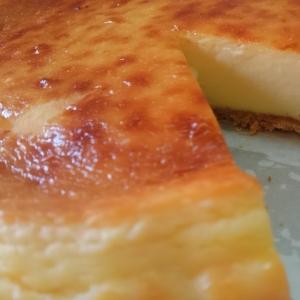 簡単混ぜて焼くだけベイクドチーズケーキ