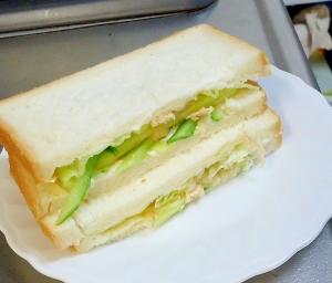 チキンサラダサンド(マヨ抜き)