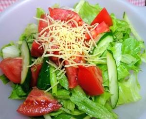 市販ドレッシングで★レタス トマト きゅうりサラダ