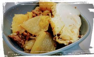 ジャガイモでボリュームアップ☆挽肉と、白菜の煮物♪