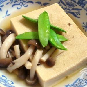 高野豆腐とシメジの煮物