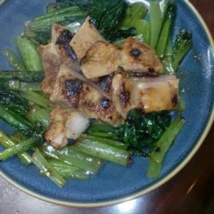 小松菜とチキンのソテー