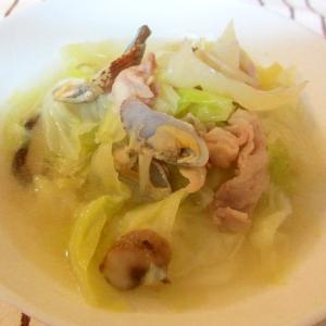 豚肉とアサリのキャベツスープ