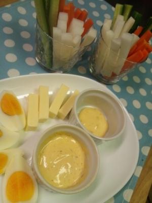 野菜スティックに☆ピリ辛味噌マヨディップ