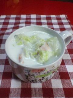 白菜とベーコンのホワイトスープ
