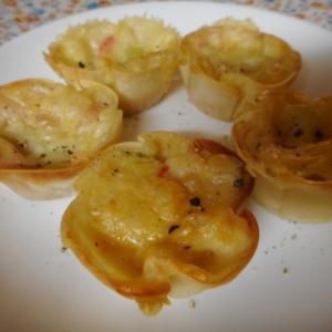餃子の皮でカニカマと枝豆のプチタルト