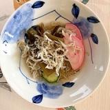 板蒲鉾、胡瓜、茎わかめ、ちりめんの和え物