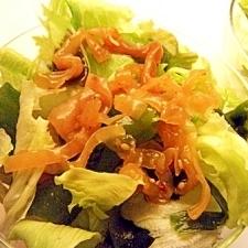 中華くらげ、レタス、わかめのサラダ
