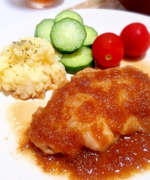胸肉で柔らかしっとり♡鶏肉のソテーオニオンソース♡