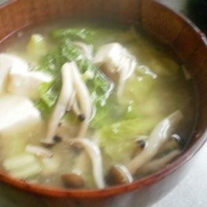 白菜豆腐しめじの味噌汁