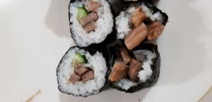 牛肉の巻き寿司