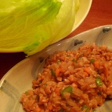 大豆ミート(ミンチタイプ)でピリ辛レタス包み