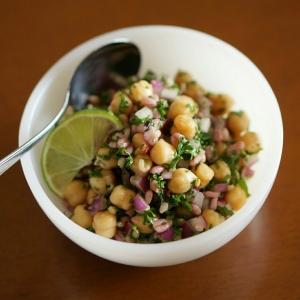 三十雑穀とひよこ豆のサラダ