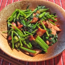空芯菜、オクラ、ベーコンの炒め