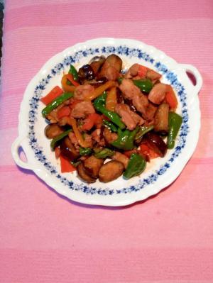 鶏もも肉と夏野菜のピリ辛炒め