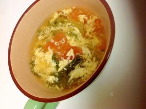 ++卵とレタスとトマトのコンソメスープ++