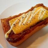 カレーとクリーミーチーズのトースト