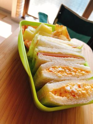 卵とハム&チーズのシンプルサンドウィッチ