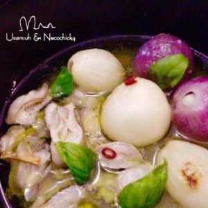 作り方は簡単♩牡蠣とペコロスのアヒージョ