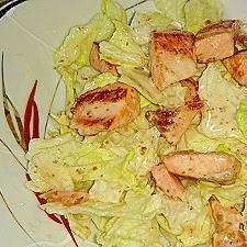 鮭のオリーブ焼きとレタスのごまドレッシングサラダ