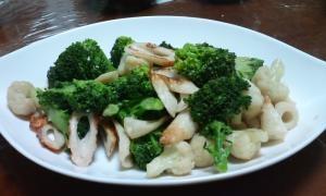 ブロッコリーとカリフラワーの炒め物