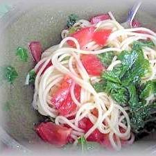 クレージーソルトdeトマトとわさび菜のパスタ♪