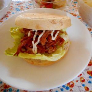 豚の生姜焼きマフィンサンド