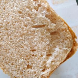 全粒粉と小麦粉の食パン