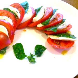 おもてなしレシピ☆トマトのカプレーゼ