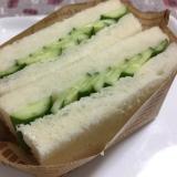 癖になる?意外な美味しさ*きゅうりのサンドイッチ